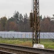 Felder voller Solarmodule werden häufiger. (Foto: S. Herold)